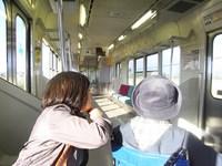 電車内2(明るさ補整).JPG